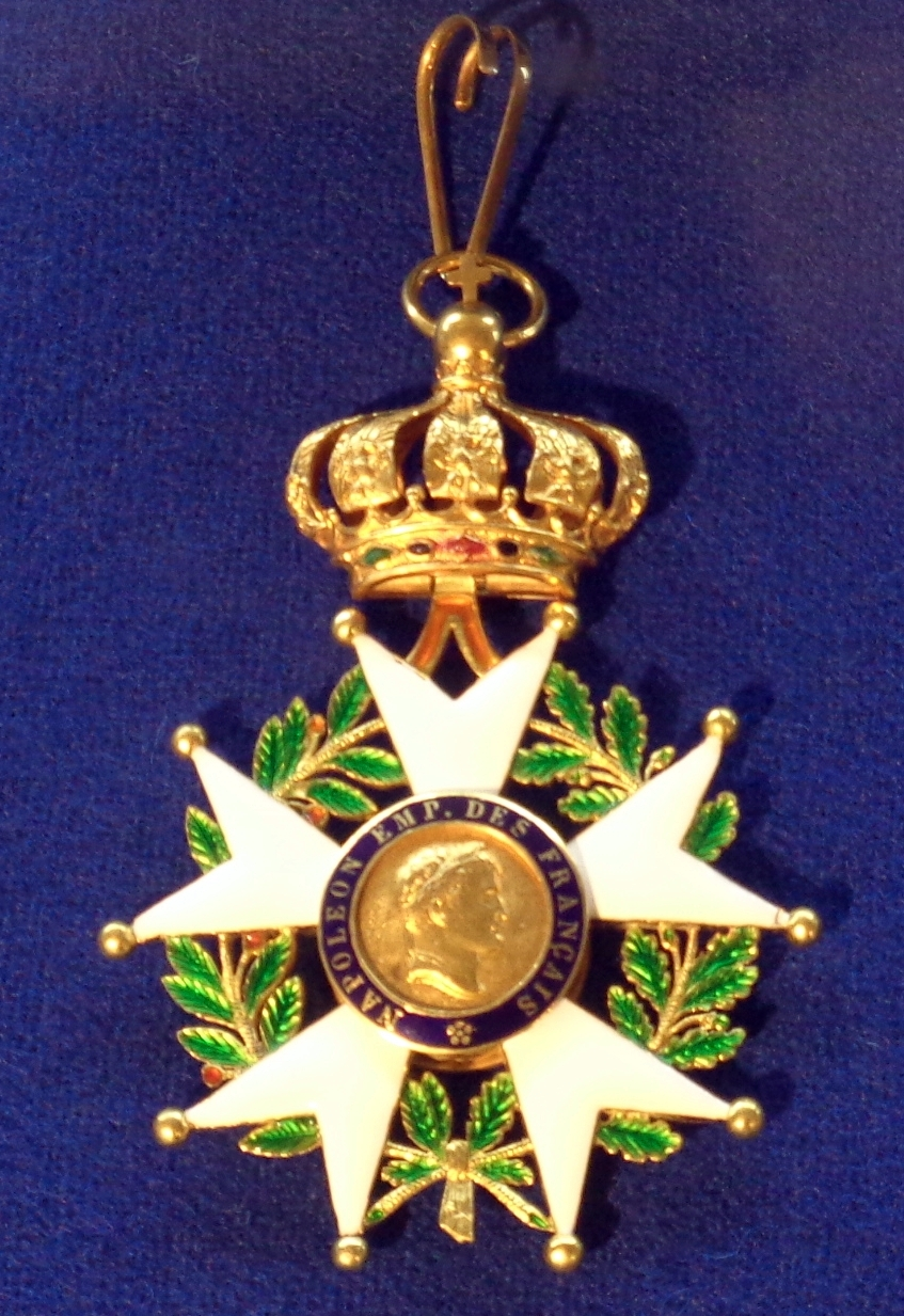 """1853–1870, Tallinn, Museum der Ritterorden<br> Quelle: <a href=""""https://commons.wikimedia.org/wiki/File:Order_of_the_Legion_of_Honour_commander_badge_(France_1853-1870)_-_Tallinn_Museum_of_Orders.jpg"""">User:Borodun / Wikimedia Commons</a><br>Lizenz: <a href=""""https://creativecommons.org/licenses/by-sa/4.0/deed.de"""">Creative Commons BY-SA 4.0</a>"""