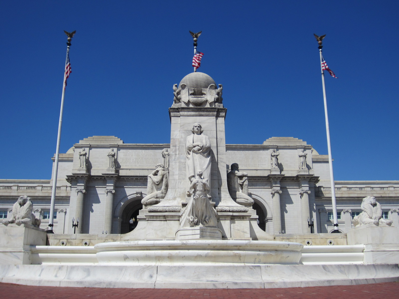 1912, Entwurf und Ausführung: Lorado Taft und Daniel Burnham. Marmor, 14 m × 20 m × 13 m, Washington, D. C., Union Station.
