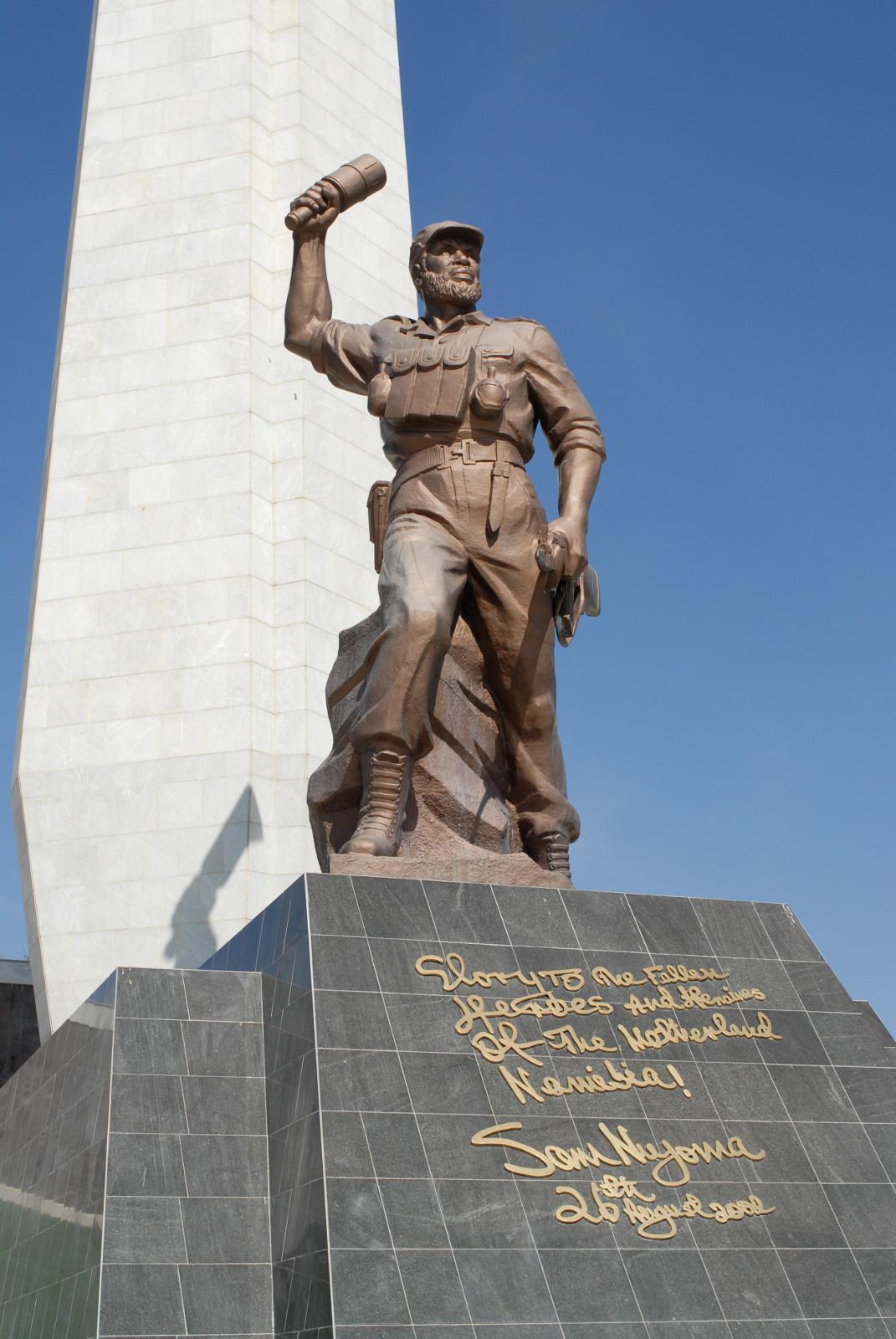 Statue auf dem Heroes' Acre, Windhoek, Namibia