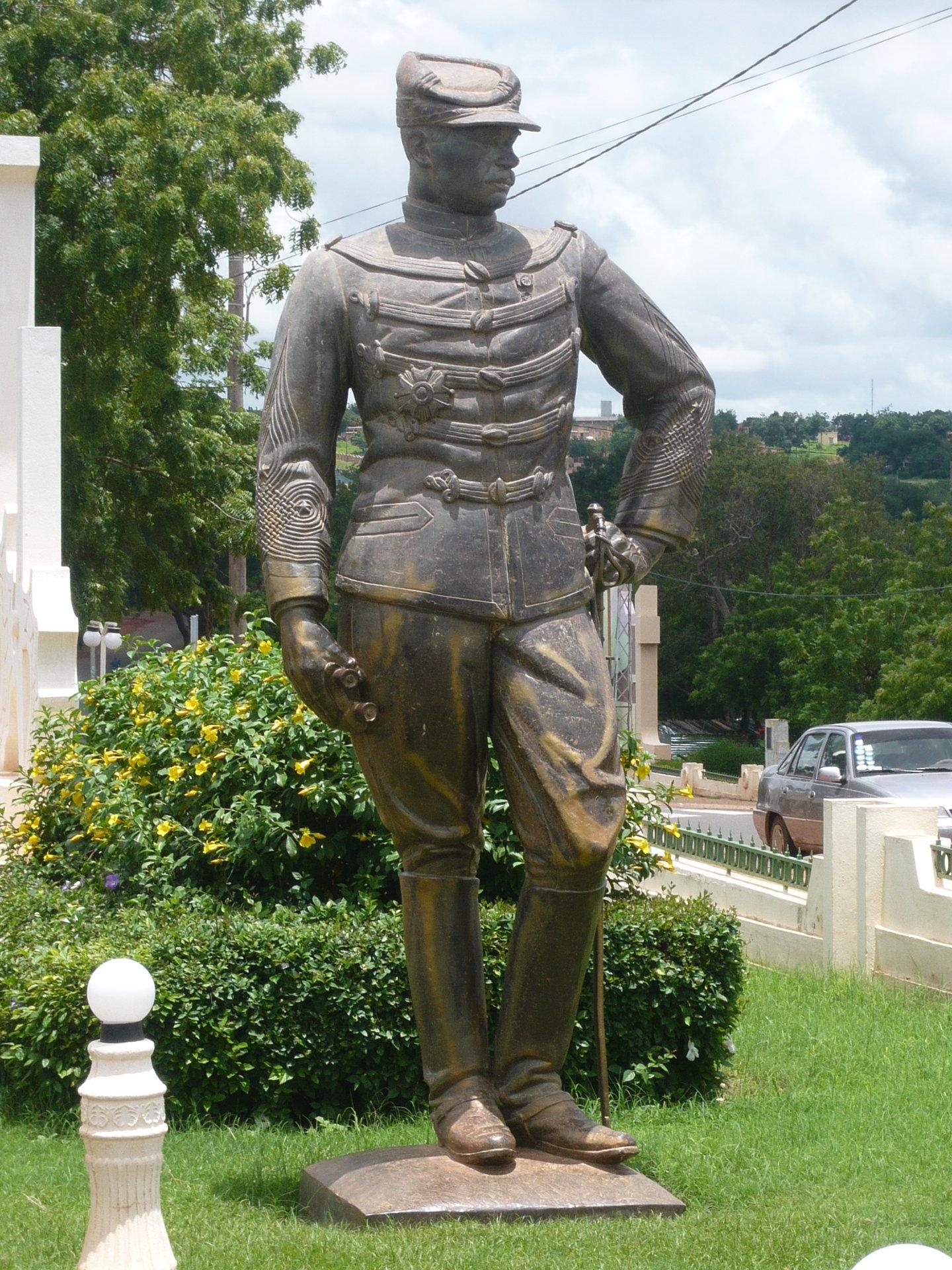 Statue des französischen Eroberers Gustave Borgnis-Desbordes
