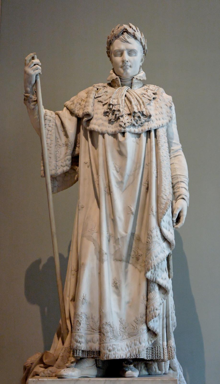 """1813, Marmorskulptur, Höhe 210 cm, Paris, Musée du Louvre, Inv.-Nr. LP 456, RF 1312. <br>Quelle: <a href=""""https://en.wikipedia.org/wiki/File:Napoleon_Ramey_Louvre_LP456.jpg"""">Marie-Lan Nguyen / Wikimedia Commons</a> <br>Lizenz: Public Domain"""