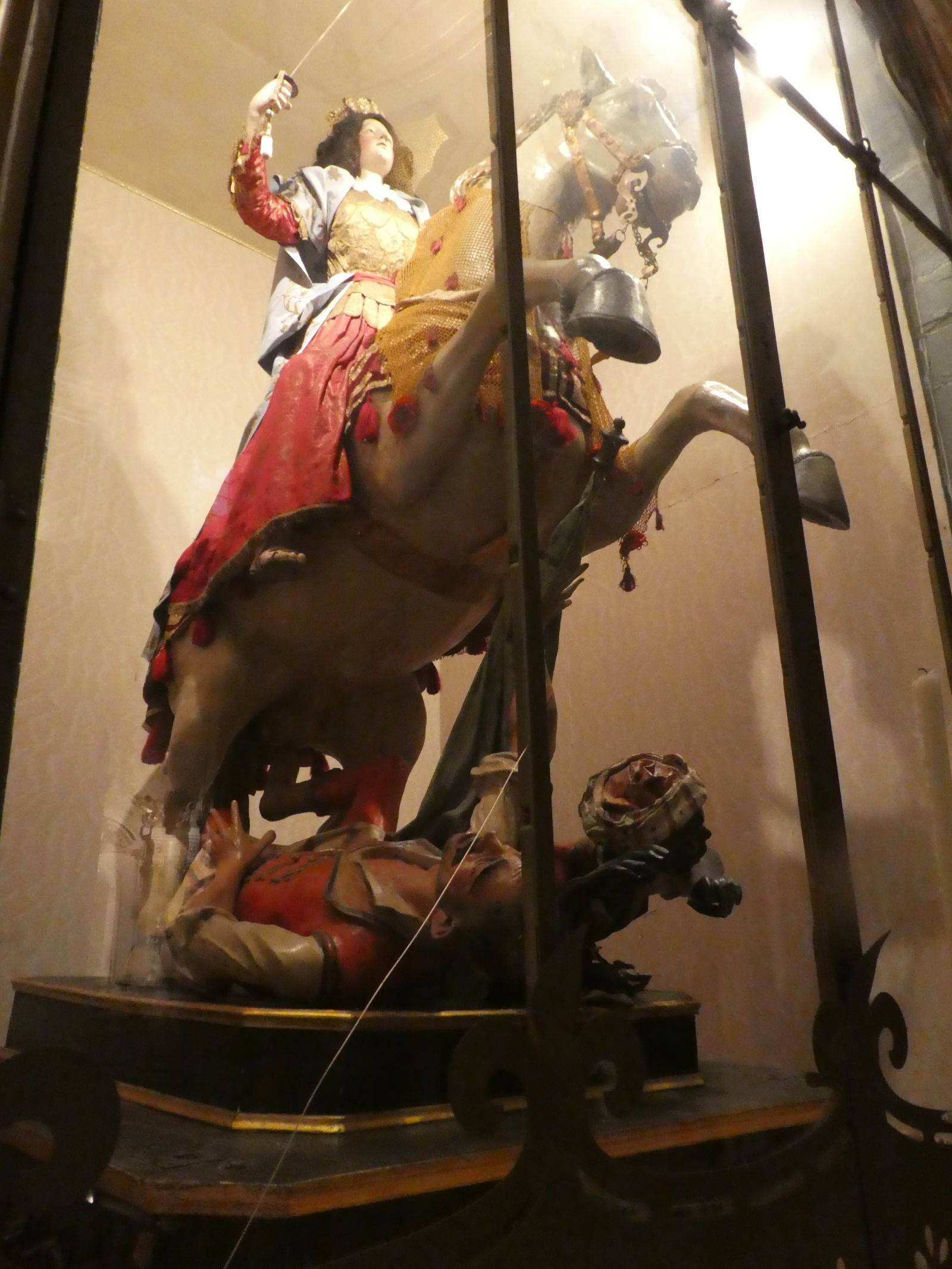 "Prozessionsfigur in der Chiesa Madre von Scicli.<br> Quelle: Fotografie von Achim Aurnhammer, 2016 <br>Lizenz: <a href=""https://creativecommons.org/licenses/by-sa/4.0/"">Creative Commons BY-SA 4.0</a>"