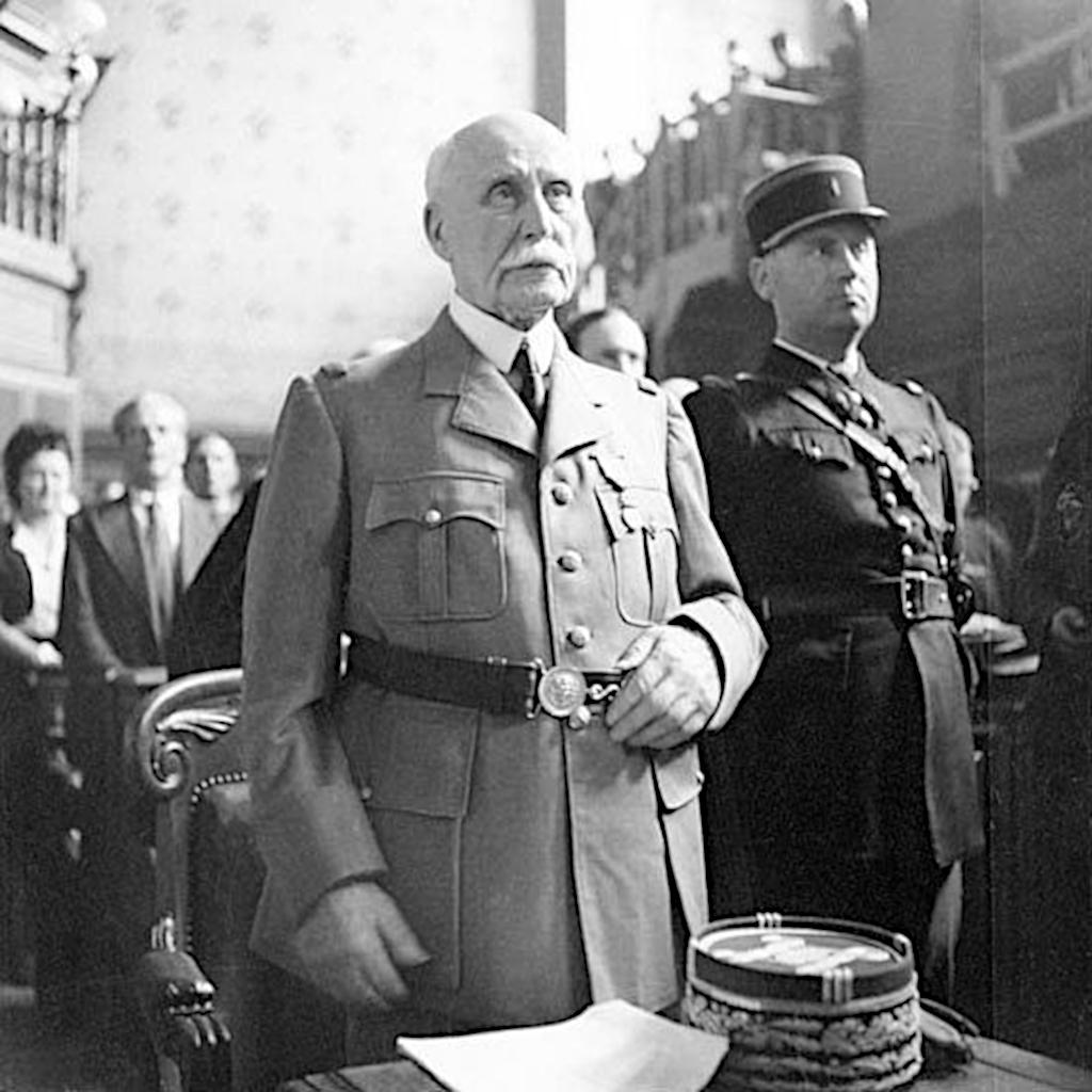 Philippe Pétain während seines Hochverratsprozesses